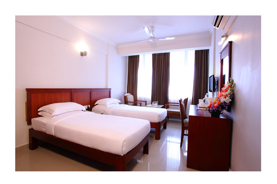 Hotel Pooram International