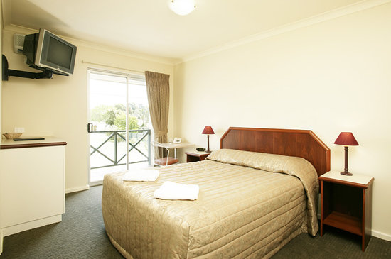 Bayswater Hotel Motel