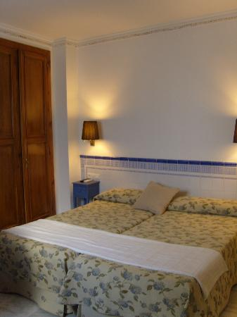 Hostal Plaza Cantarero: bedroom