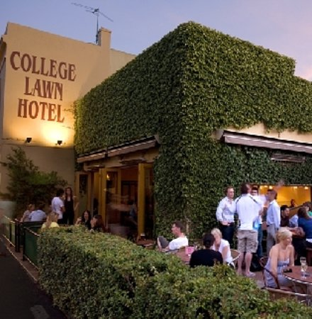 Photo of College Lawn Hotel Melbourne