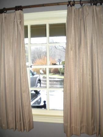 Hillwinds Inn: Window View
