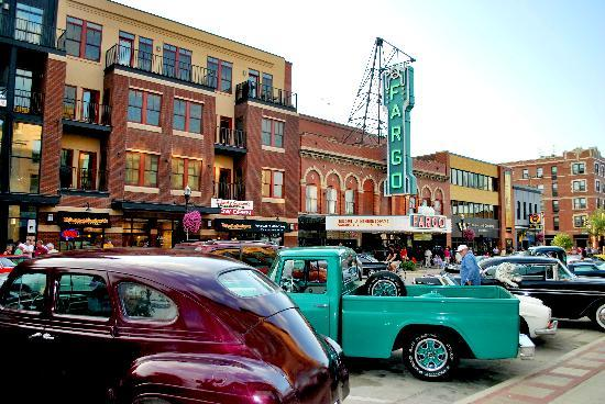 Fargo, ND: Cruisin' Broadway