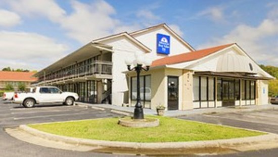 Americas Best Value Inn Douglasville: Exterior