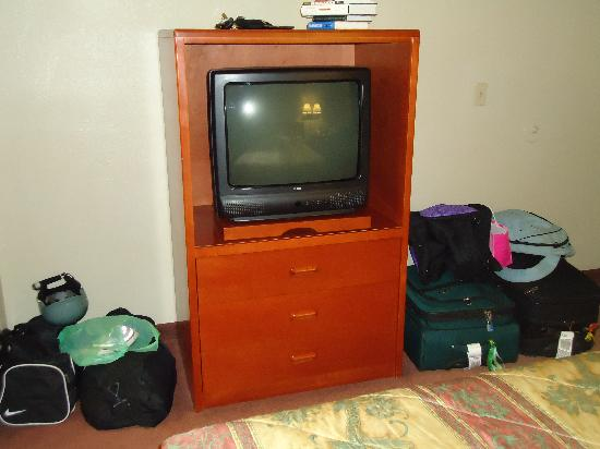 Good Nite Inn - Calabasas: TV