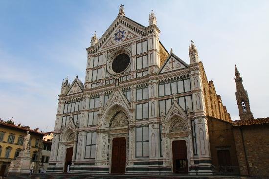 Basilica di Santa Croce - Picture of Pazzi Chapel ...