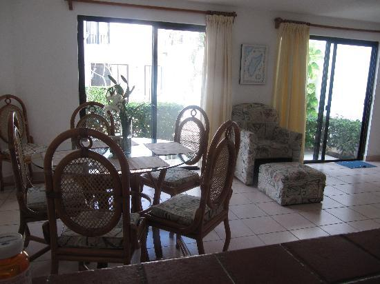 Casa Martillo: From the dining area looking toward the common area outside