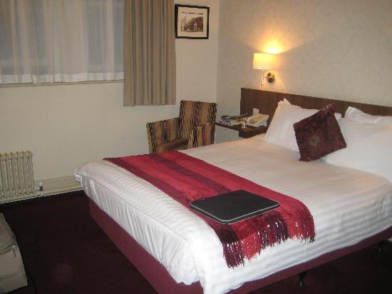 The Crown Hotel: Room 228