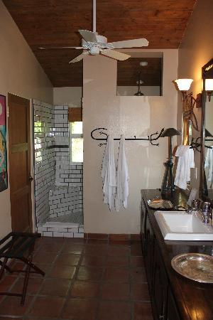 Casa Ocotillo: Bathroom