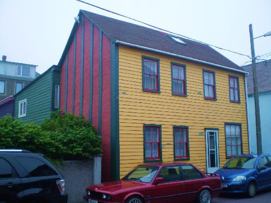 Saint-Pierre and Miquelon: St-Pierre Architecture