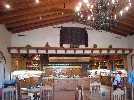 Rancho La Puerta Spa: Kitchen for cooking class