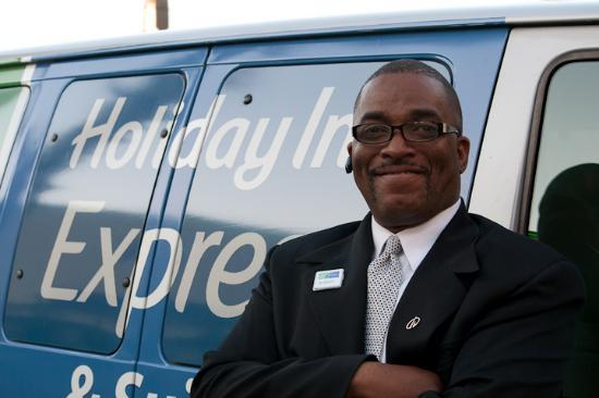 Holiday Inn Express & Suites Tampa USF-Busch Gardens: Robert rocks!