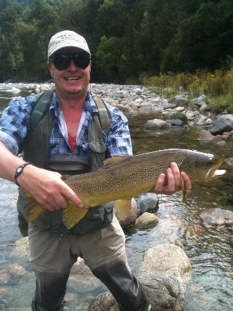 Owen River Lodge: Brent nailed this in the Crow River