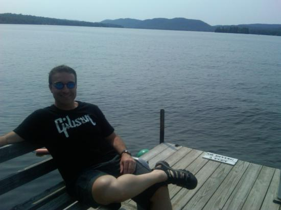 Nelson's Cottages: Relaxing on the Dock