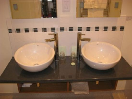 Pengethley Manor Hotel: Bathroom