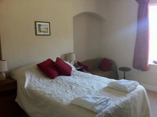 Glyn Ceiriog, UK: One of the newly refurbished bedrooms