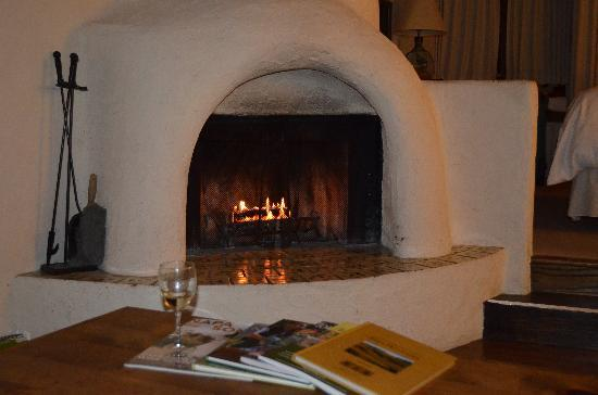 Rancho Caymus Inn: the fireplace was terrific!