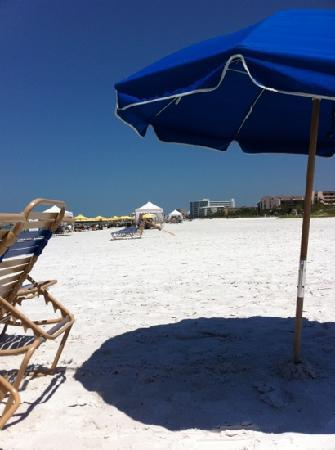 Tropical Shores Beach Resort : The beach!