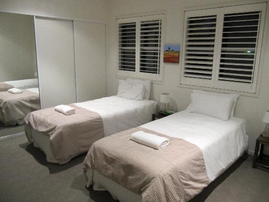 Noosa Entrance Waterfront Resort: Second bedroom