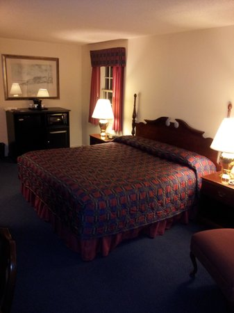 Beaufort Inn: king room