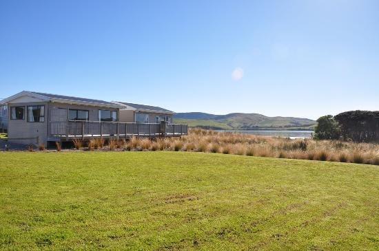 Waikava Harbour View: The one bedroom units seen from the lawn