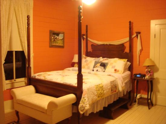 Maison D'Memoire Bed & Breakfast Cottages: Autumn Cottage