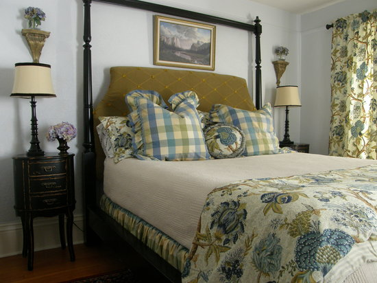 Photo of Fisher House Bed and Breakfast Victoria