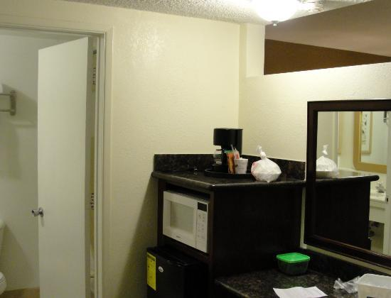 Travelodge Inn & Suites - Yucca Valley: Can't use the coffee pot because there is no power outlet near by.