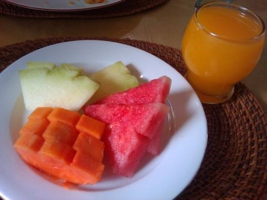 Rosani Hotel: Buffet Fruits