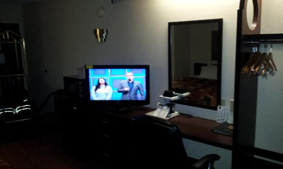 Sleep Inn Billy Graham Parkway: View from bed to TV