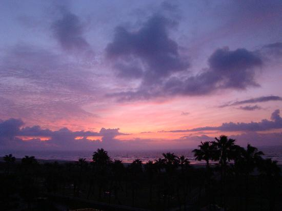 The Galvestonian: sunrise, as seen from our balcony