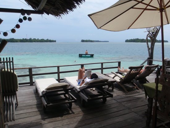 Pulau Macan Eco Resort Village: sundeck chillin