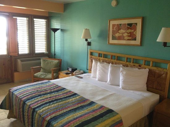 Copamarina Beach Resort : Room overlooking the pool and beach 