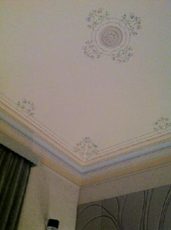 San Giorgio Palace Hotel: ceiling to our room