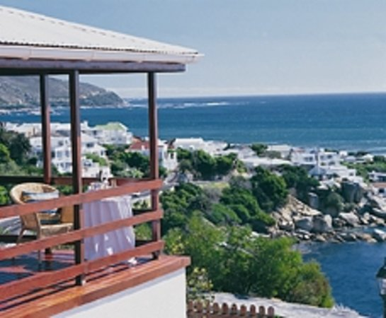 51 On Camps Bay Guesthouse: Deluxe Suite Deck View