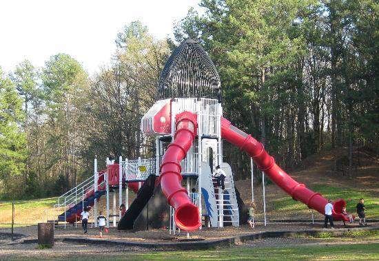 North Little Rock, Арканзас: Rocket ship playground