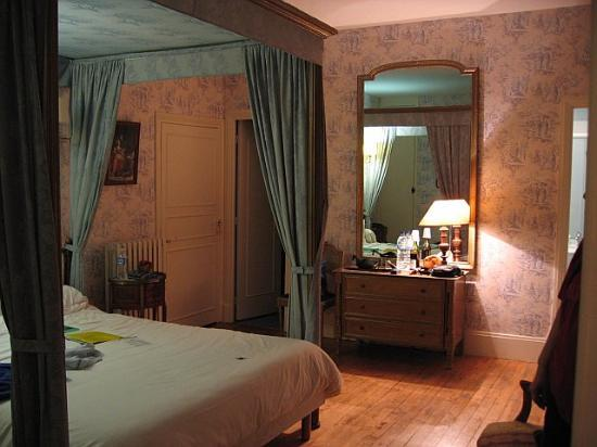 Hostellerie Gargantua: the room