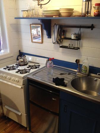 Jones Street Guesthouse: Kitchenette