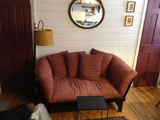 Jones Street Guesthouse: Sofa / Chilling area