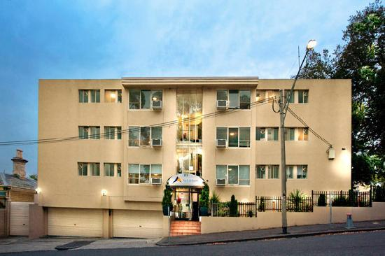 North Melbourne Serviced Apartments: Exterior - Main Entrance on Murphy Street