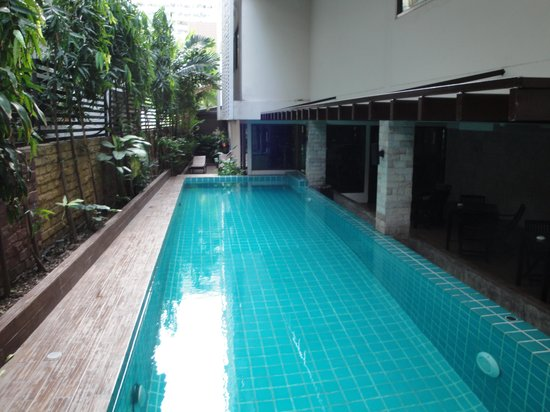Aspen Suites Bangkok: Swimming pool