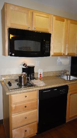 Candlewood Suites - Houston Park Row: Kitchen area