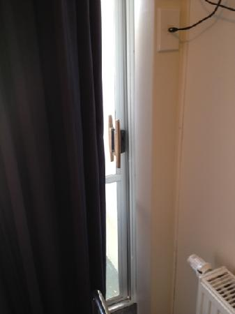 Fiordland Hotel/Motel: door that just wouldn't close properly