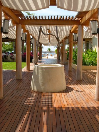 The St. Regis Punta Mita Resort: Walkway to the Sea Breeze restaurant and bar