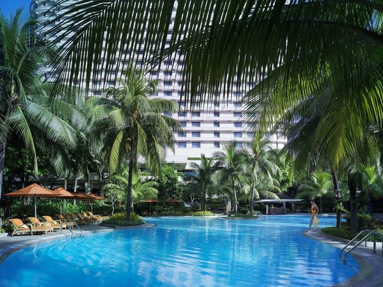 Edsa Shangri-La : Tropical oasis in the city
