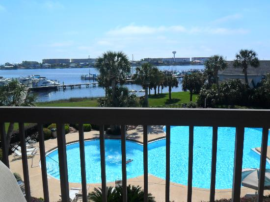 Pirates Bay Guest Chambers & Marina: love the pool view