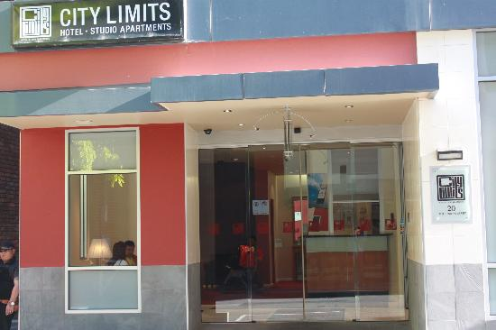 City Limits Serviced Apartments: the entrance look small in pic but they got everything