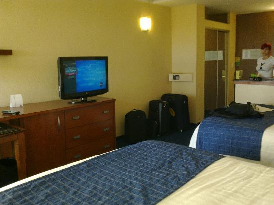 Courtyard by Marriott Fort Lauderdale East: Room, 2 doublebed