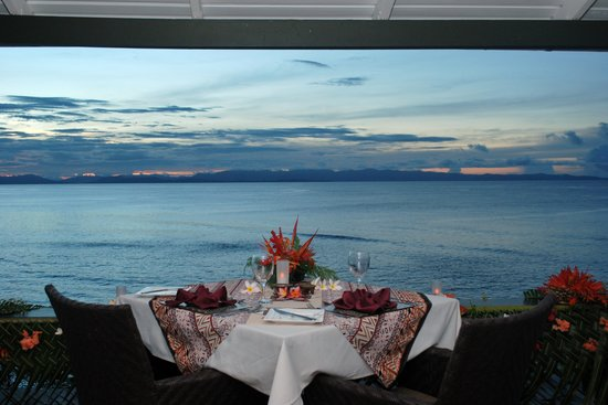 Taveuni Island Resort & Spa: Dining Deck