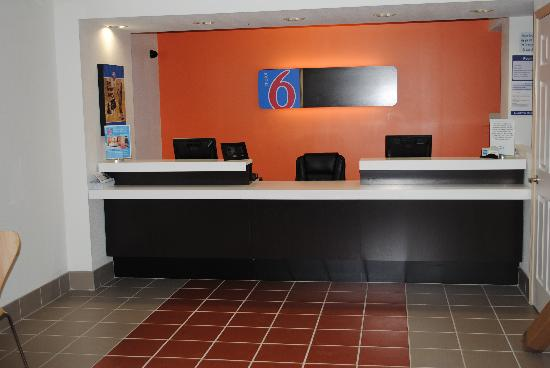 Motel 6 Martinsburg: Lobby