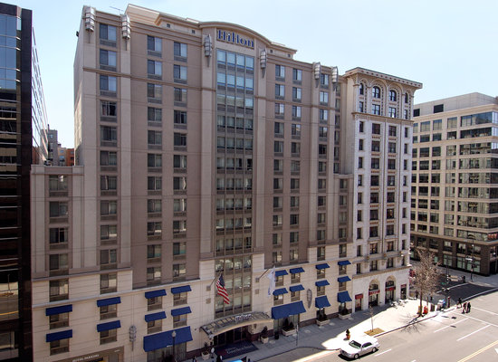 Hilton Garden Inn Washington, DC Downtown : Renovated in 2012 the 14-story hotel located three blocks from the White House 
